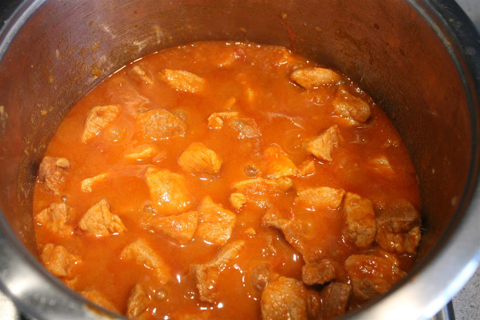 Гуляш из свинины рецепт классический пошагово